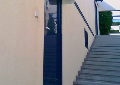 porte d entree en aluminium aux katikias a bandol